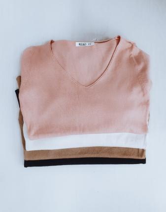 sweterek beżowy dopasowany