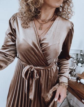 złota sukienka plisowana