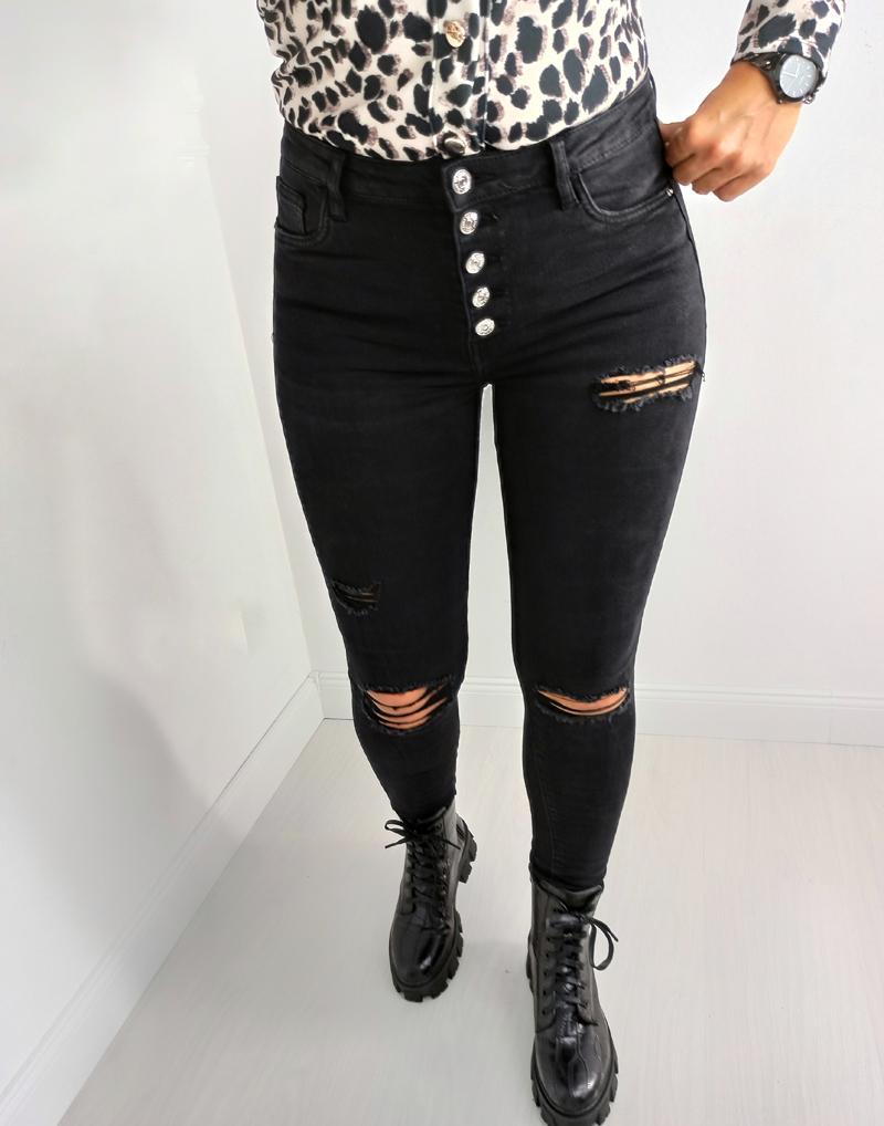 spodnie-jeans-czarne-lamaja