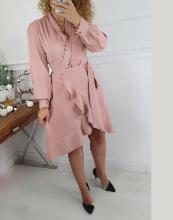 elegancka sukienka kopertowa pudrowy róż
