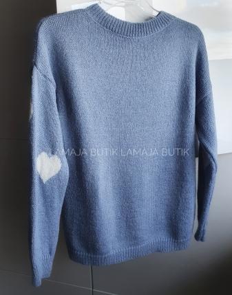 niebieski sweterek jeansowy w serduszka lamaja butik