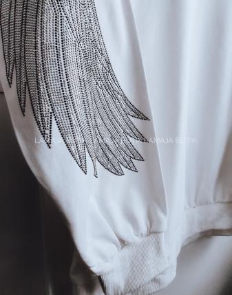 biała bluza ze skrzydłami lamaja butik 7