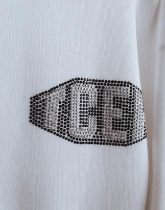 biała bluza ze skrzydłami lamaja butik 9