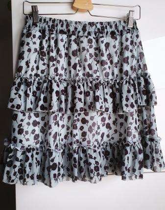 miętowa spódniczka w kwiaty mini lamaja 1