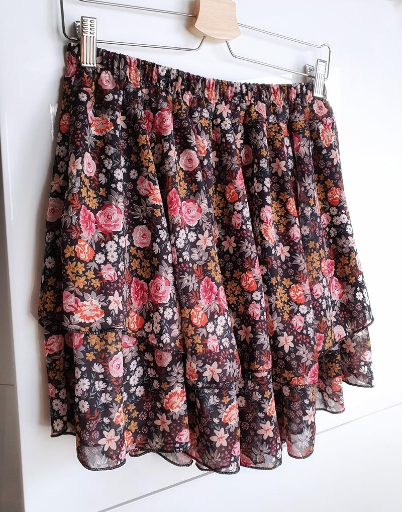 spódniczka mini w kwiatki 1