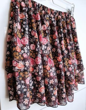 spódniczka mini w kwiatki 2