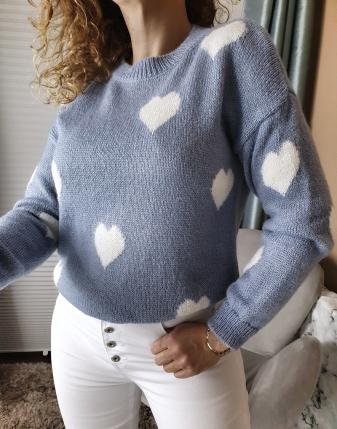 niebieski sweterek jeansowy w serduszka lamaja butik 6