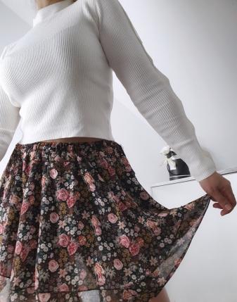 spódniczka mini w kwiatki 5
