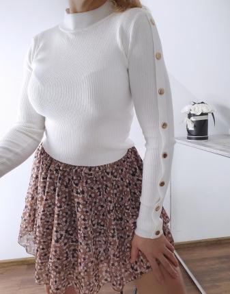 biały sweterek z napami 5