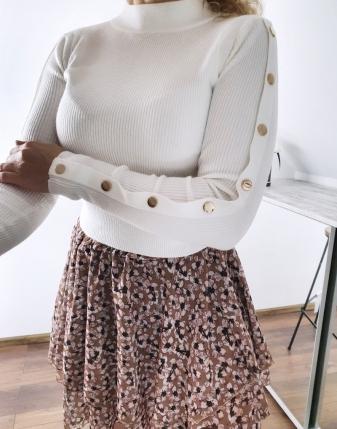 biały sweterek z napami 6