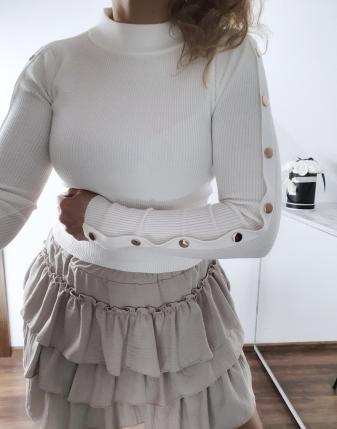 biały sweterek z napami 8