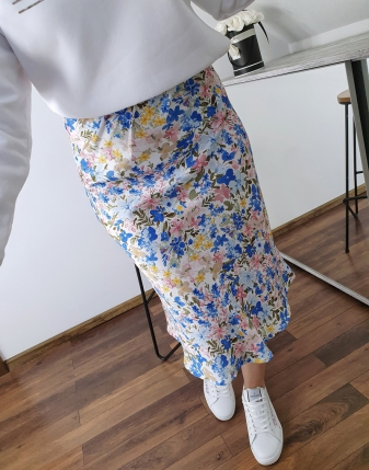 spódnica satynowa w niebieskie kwiatki lamaja  3