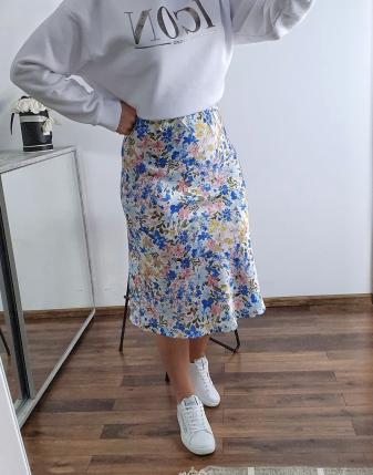 spódnica satynowa w niebieskie kwiatki lamaja  4