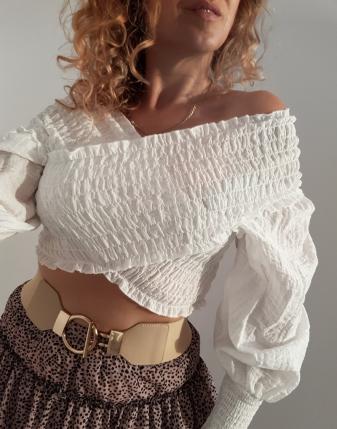 biała bluzka marszczona