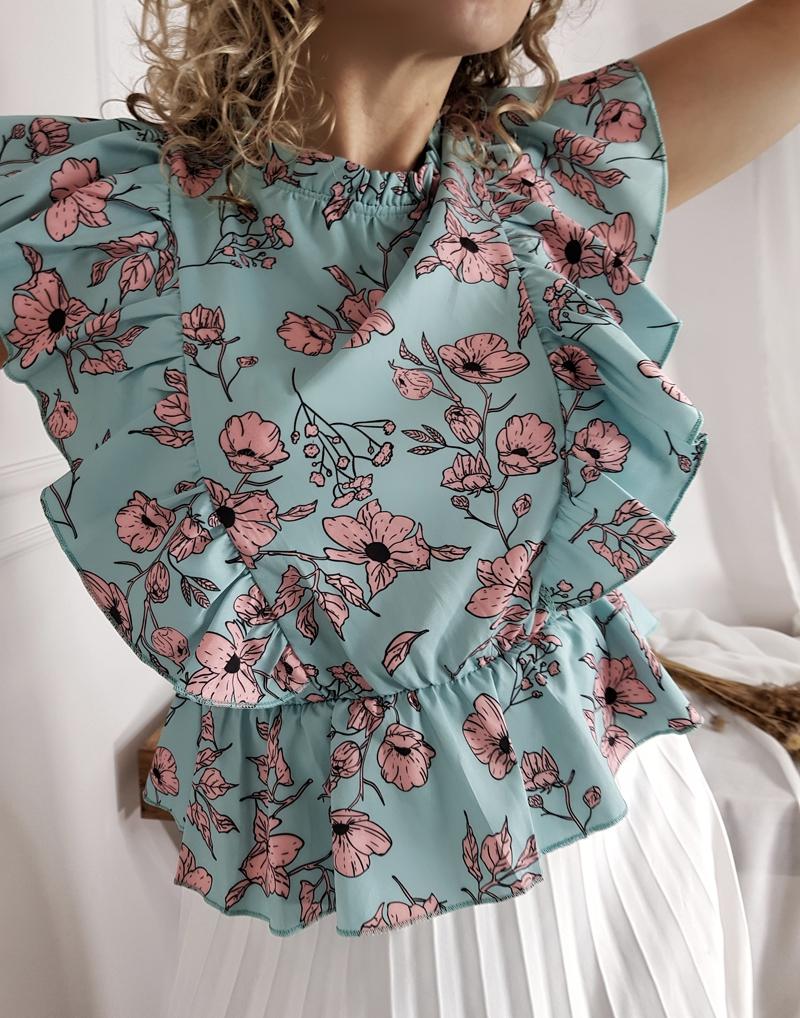 satynowa bluzka w kwiatki