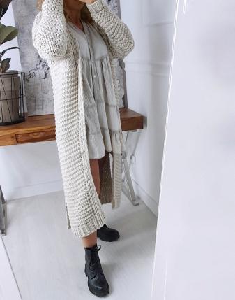 gruby sweter długi jasny
