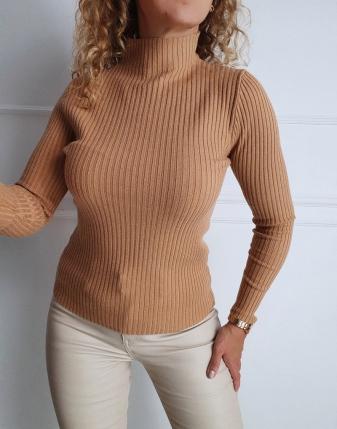 dopasowany sweter z golfem  dwa