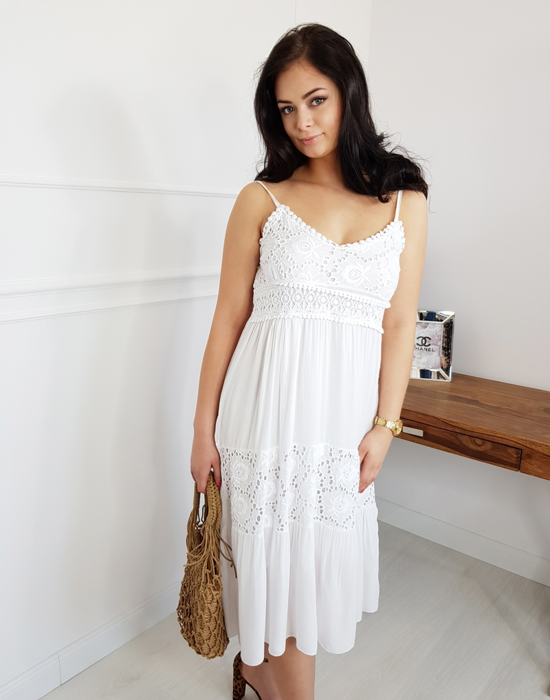 sukienka damska biała z koronką midi, za kolana, na ramiączkach,butik