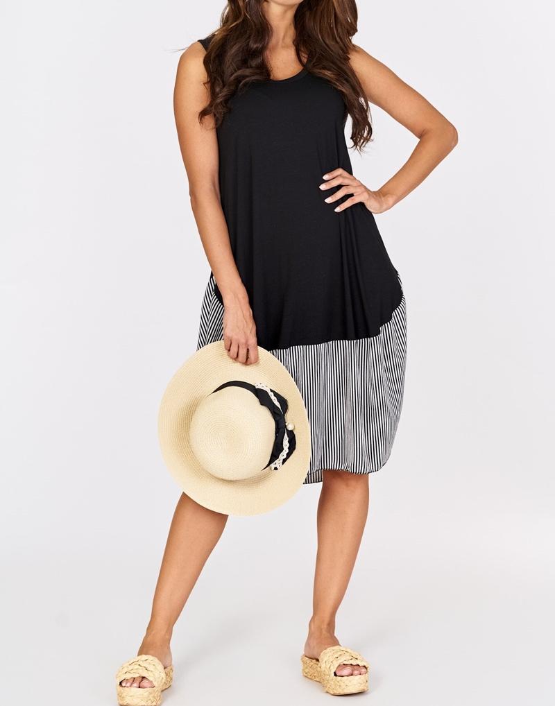 sukienka czarna z wstawką w paski