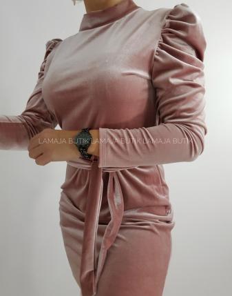 sukienka aksamitna z bufkami różowa