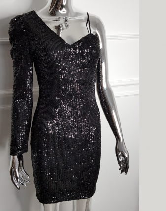 sukienka cekinowa czarna