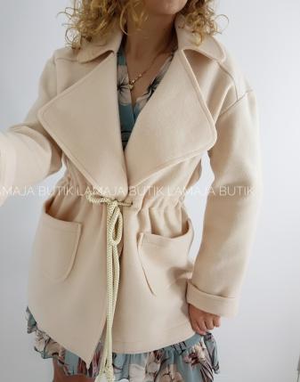 płaszcz ecru wiązany