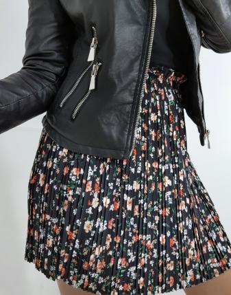 spódniczka plisowana czarna  w kwiatki